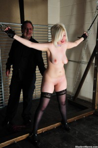 amateur-slaves-whipped-08