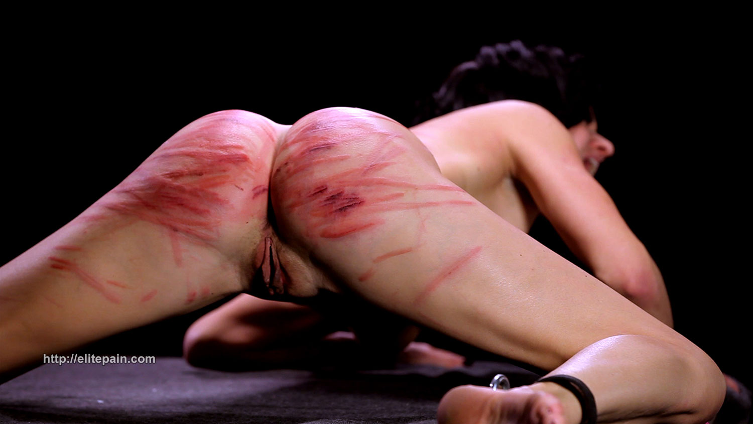 Hard whipping and caning die rohrstockzucht 5