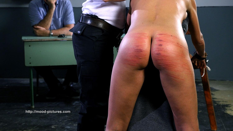 Men naked group spanking
